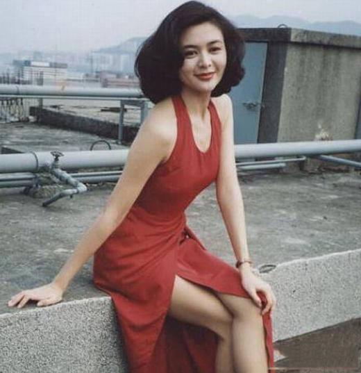 """看了關之琳年輕時的這些照片,才明白她為什么被稱為""""搪瓷娃娃""""圖片"""