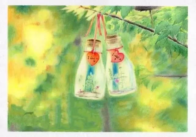 樹上的新年許愿瓶圖片