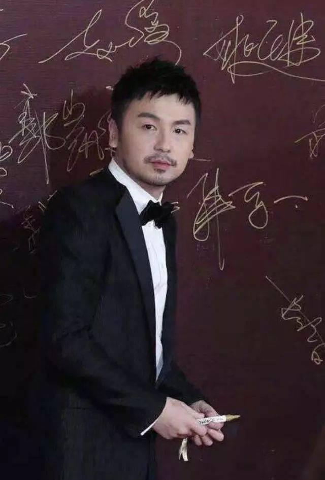 2019年男士流行发型,潮人剪了都很帅!_手机搜狐网