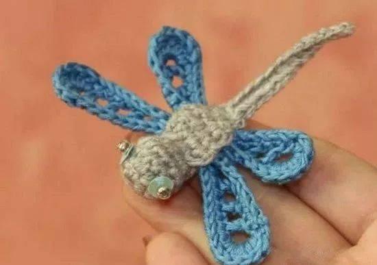 简单的钩针编织毛线蜻蜓小饰品,快看过来!
