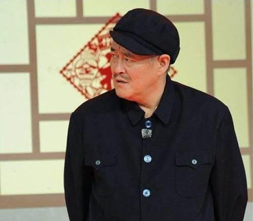 赵本山近照曝光,满头白发,教训人时却中气十足,期待他重回春晚