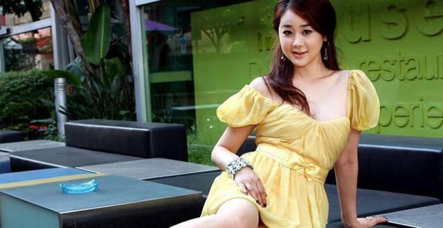 之前这位45岁的艺术咸素媛带本身的经典一同参加韩国女星综艺节目中国老公电影一档v艺术图片