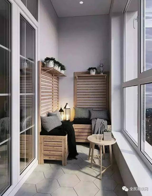 如果阳台空间比较大,甚至是开放式阳台的话,尽量以筒灯装饰为主,这样
