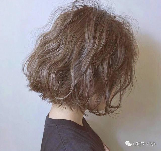 短发烫到顶既好打理又可以随意做出多种发型,性感迷 人的最新长发烫发