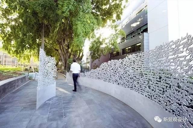 景墙的花样也是千变万化, 不再是单调乏味,而是艺术,趣味并存!图片