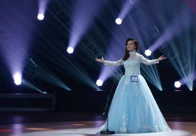 《中国好声音》;去年参加了浙江电视台推出的节目《梦想的声音》第三