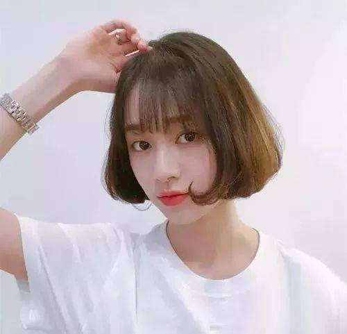 2019流行短发发型趋势女,减龄齐短发成网红爆款!