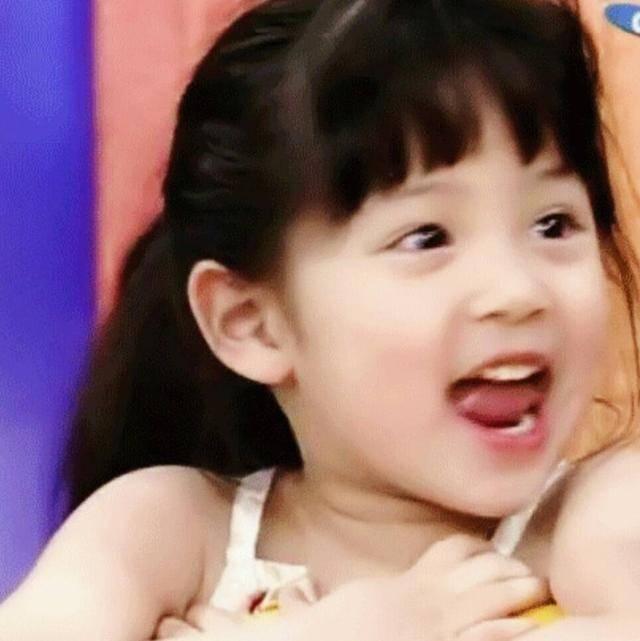 一大波欧阳娜娜童年照来袭,小娜比小时候也太可爱了吧图片