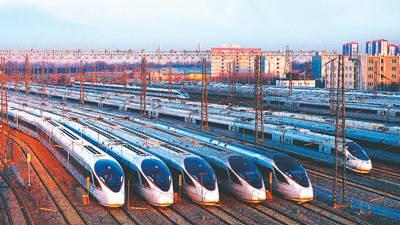 复兴号高铁列车在北京动车段整装待发.图片
