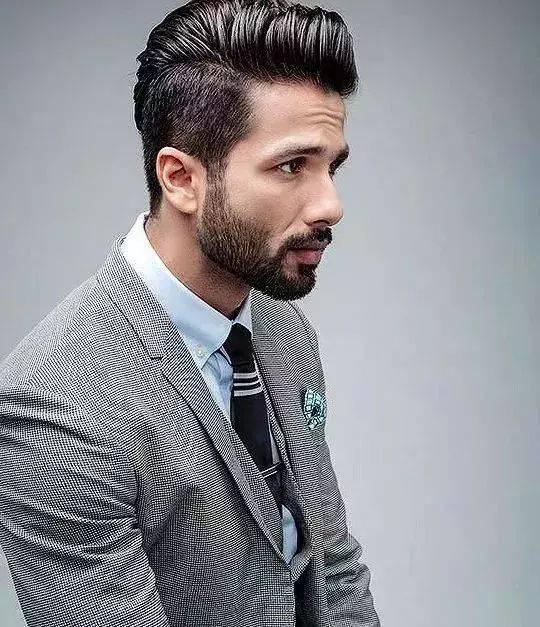2019年男生最新发型,非主流短发梨花头短板梨花头点评,微微拉长的图片