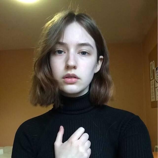 长度就是关键了,不同长度的发型有不同的美,从齐耳短发到齐脖短发
