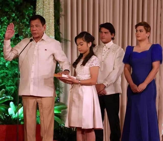 幼女帮我打手_原创绝不当美国打手,这次菲律宾来真的?拥有华人血脉的老杜真的聪明