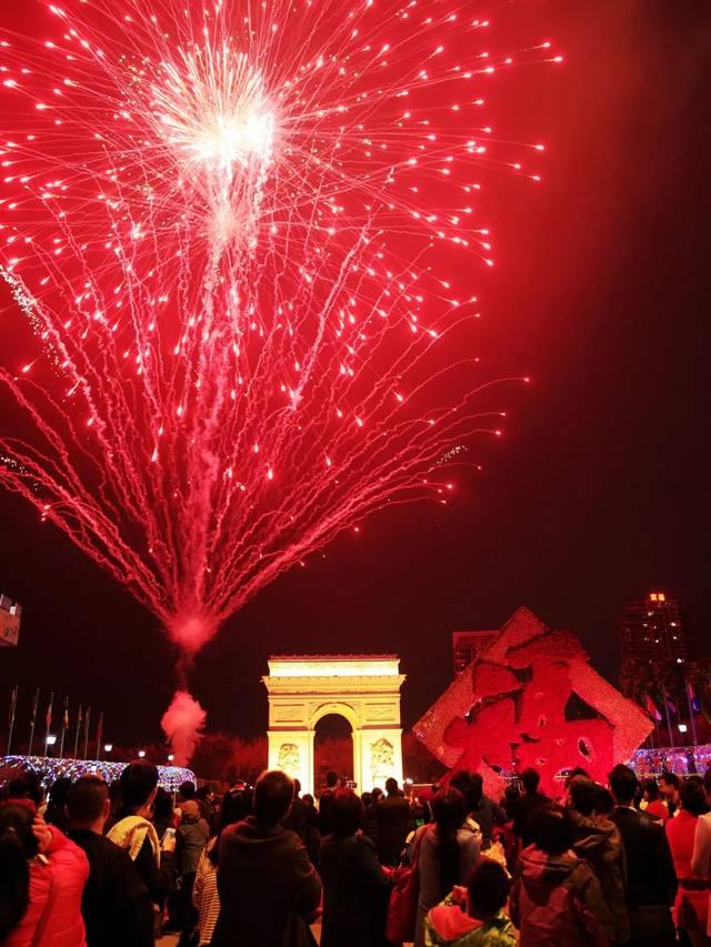 跨年烟花,炫酷灯光秀强势出道,除夕之夜就来深圳世界之窗!图片