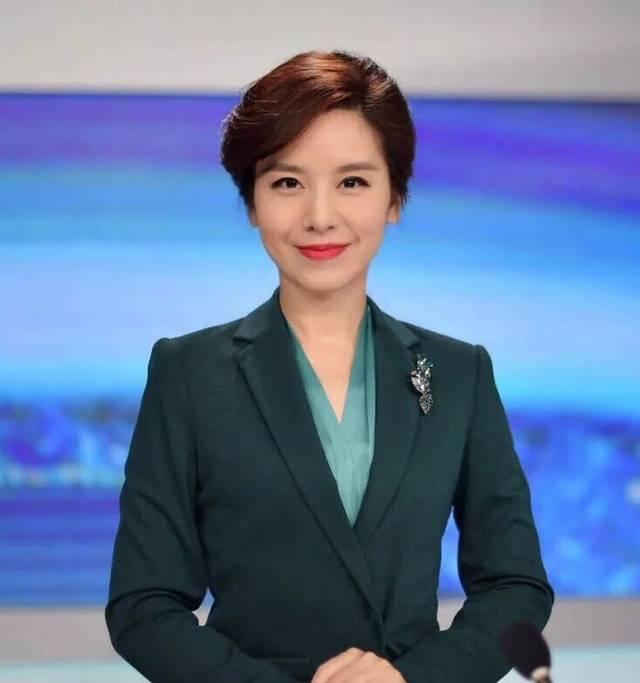 安徽卫视新闻主持人_主持深圳卫视《深视新闻》