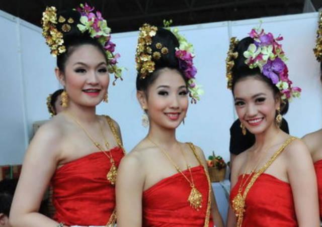 女人十八名器_去泰国旅行,为何不要随便接近当地的泰国女人?或许看完你会明白