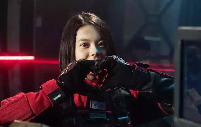 原创因《流浪地球》出名的她,一直给张子枫做配,今终于逆袭成功图片