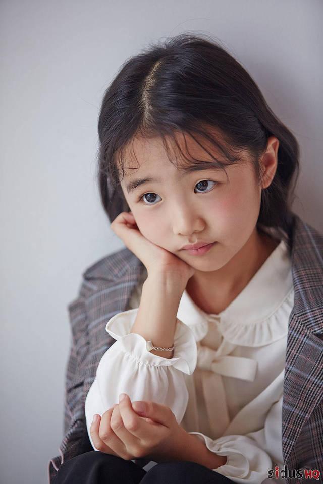"""《皇后的品格》吴阳光与雅丽公主和好温馨相拥 """"小戏骨""""写真公开展"""