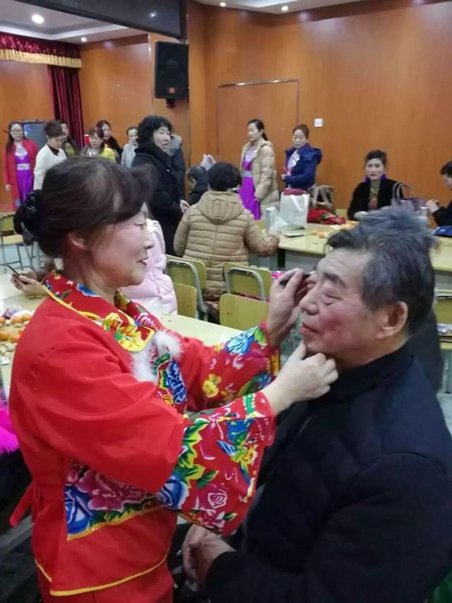 成年男人的撸牛子照片_牛子社,李峰,李科老师为三位\