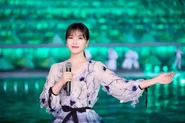 惊艳春晚的冻龄女神林志玲,闫妮:拥有好身材,只因.图片