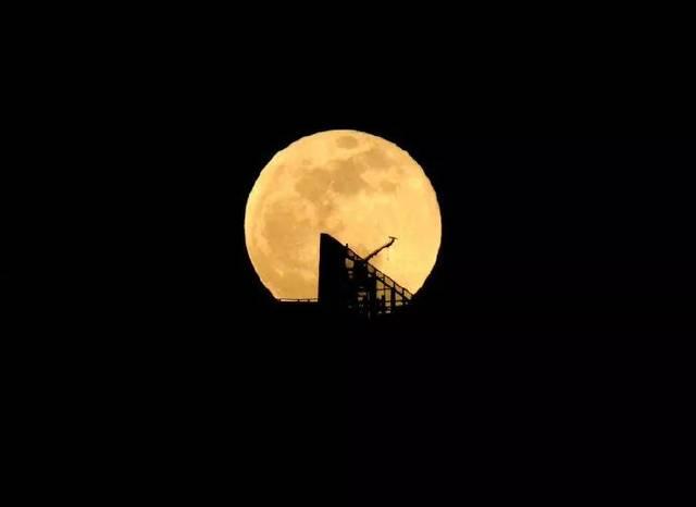 2019年第二场 超级月亮 ,你想和谁一起看