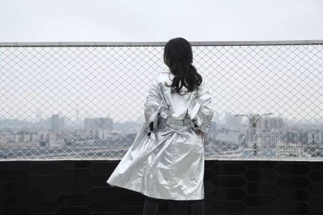 银色风衣_和平精英黄金风衣图片