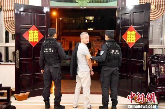 刘海志介绍说,黄鸿发家族自上世纪80年代末开始在昌江地区活跃.图片