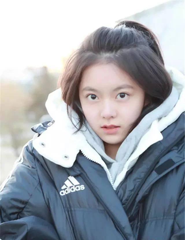 看《流浪地球》再被赵今麦惊艳,16岁就有超高颜值,演技催人泪下图片