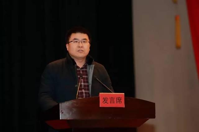 张学��f���9�e�j�9�!y�b_材料学院院长张勤芳作交流发言