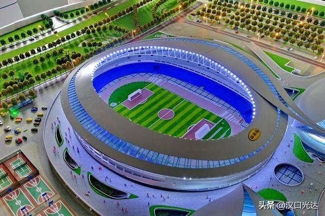 武汉五环体育中心收尾冲刺迎首秀 点赞建设中平凡的劳动者