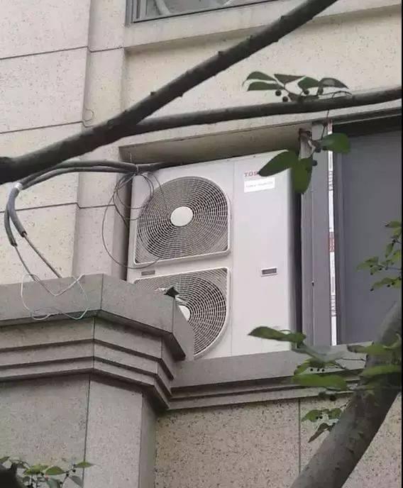 那些脑残设计师设计的奇葩空调机位,差点要了我的命!图片
