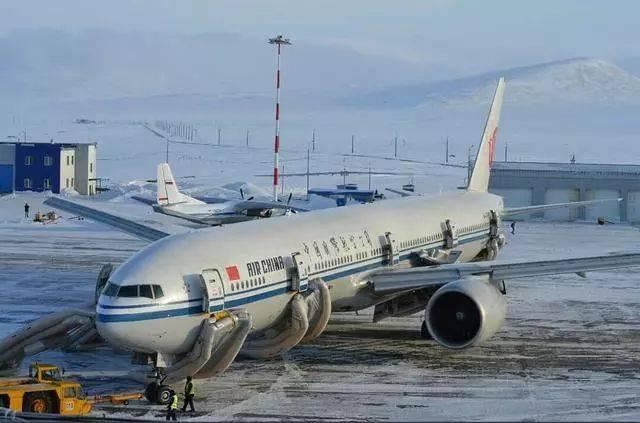 国航北京飞洛杉矶航班突发火警 紧急备降俄罗斯阿纳德尔机场