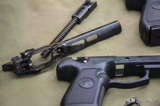 54,64,10,77……浅谈几款警用手枪