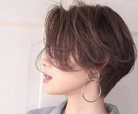 宋慧乔+高俊熙人气女星示范 2019年最流行的短发就是它--耳下短发