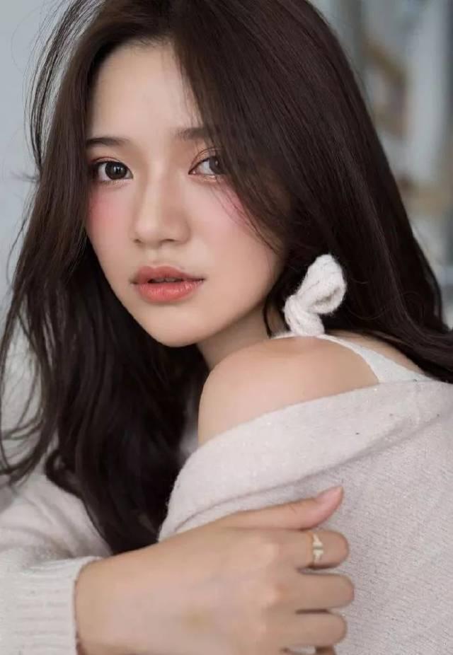——网红女装top1安娜家的模特er.