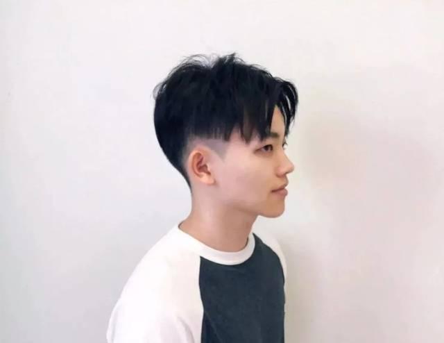 蔡徐坤中分男生,眼神留了都帅发型短发少妇a男生图片
