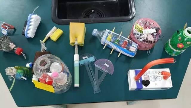 其中包含发明创造,纯手工制作,零件组装,废物利用,实用创新,小工艺品