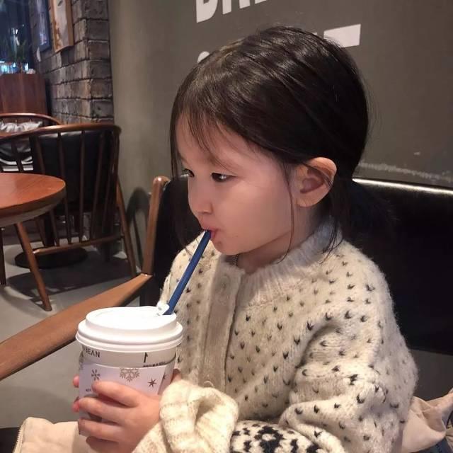 3岁女娃爆红ins(萌娃头像)