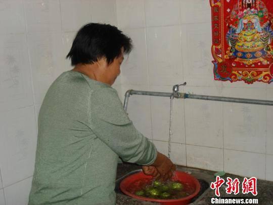 """河北省隆化县""""跟进式""""扶贫为脱贫送去""""及时雨"""""""