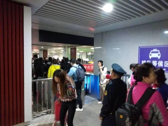 贵阳北站客流高峰来袭,看贵阳运管如何应对!