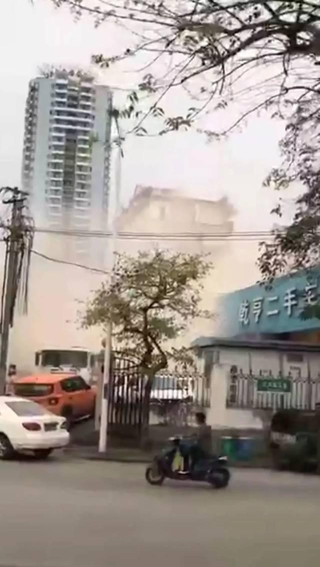视频疯传!南宁白沙大道一高楼意外坍塌!场面惊险?!真相是......