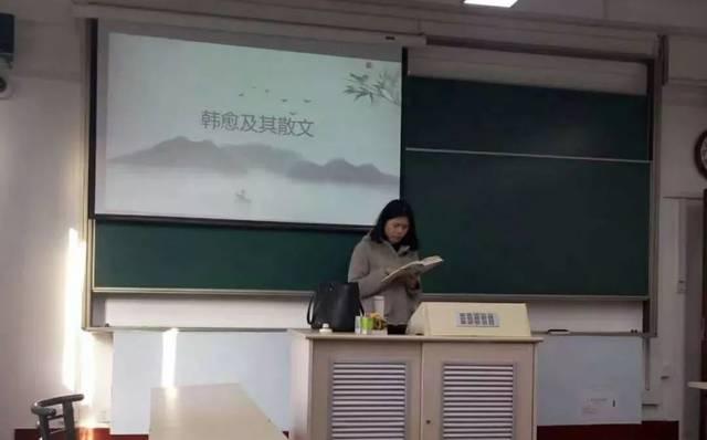 49岁的宿管阿姨,开挂了!她考上广西大学研究生图片