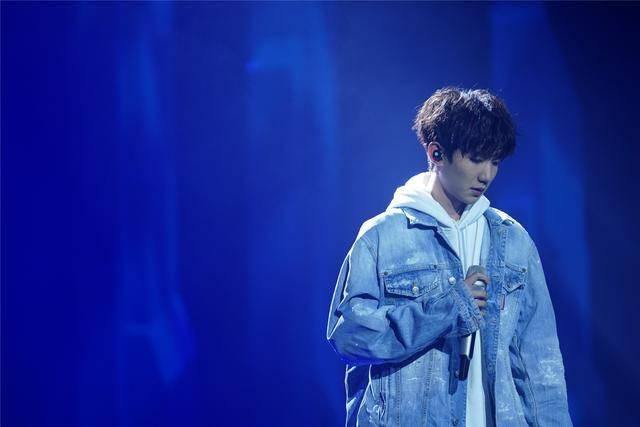 《我是唱作人》王源重庆话rap,击败热狗蝉联酷狗冠军