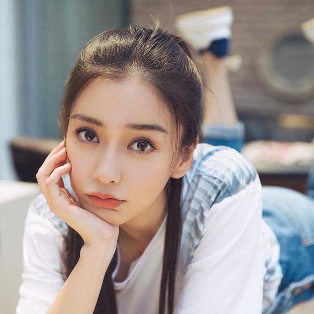 万达娱乐平台:韩国女模花高价整容成杨颖到