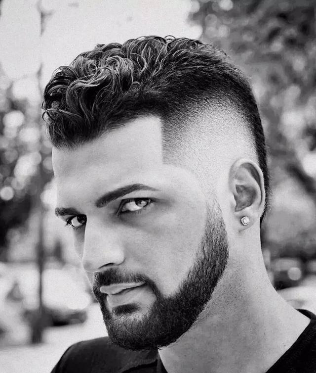 微胖圆脸男人该剪什么发型?让你瘦脸有道!图片