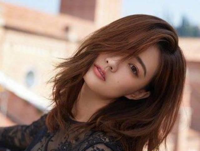 无论你是大脸还是小脸,都可以梳2019年抖音上最火的女生长刘海发型哟