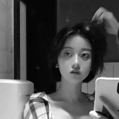 好看的女生头像(微信头像,黑白头像,伤感头像,qq头像)保存方法:点击