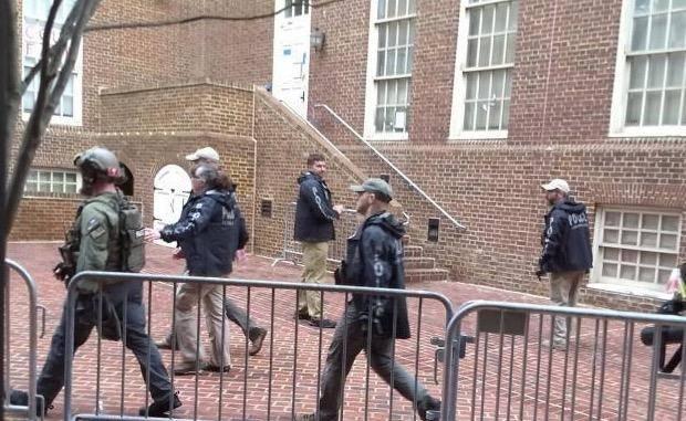 公然违反国际法!停水断电,美警察竟强闯委驻美大使馆抓人!图片