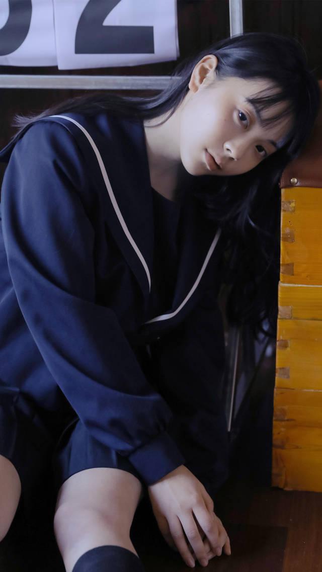 清纯日系美女学生妹写真图片手机壁纸