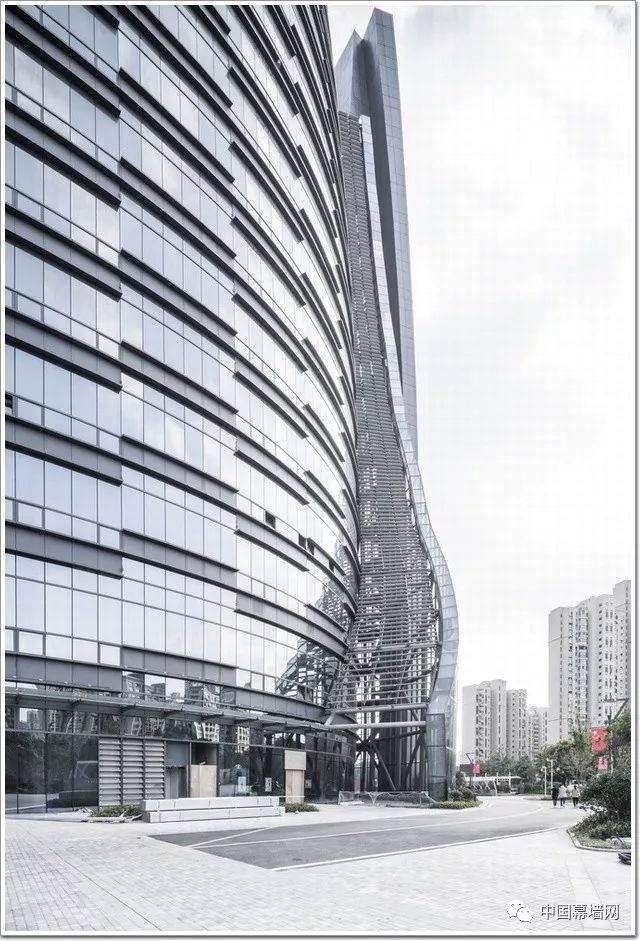 南通智慧之眼项目由江苏星湖置业有限公司斥资4亿元建设,占地面积