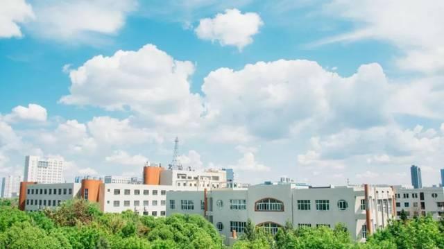 【新华社】扎根房屋服务边疆--石河子大学10米宽17.5米长田野设计图片